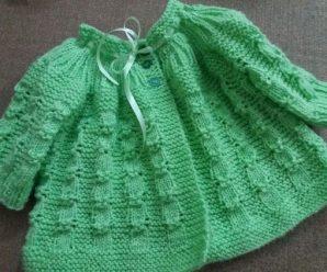 Casaquinho de Crochê Verde Para Bebê